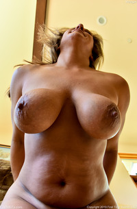 Busty And Mature Girl Next Door Meegan